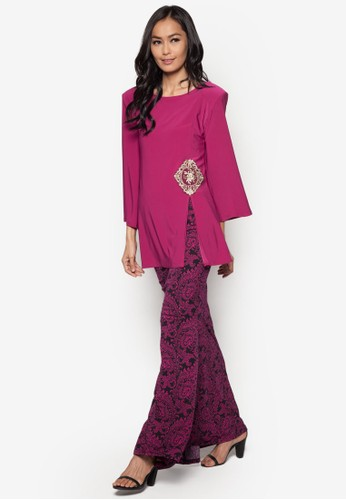 Front Slit Midi Kurung from Zuco Fashion in Pink