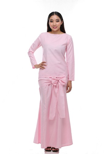 Intan Modern Kurung from Secretcode in Pink