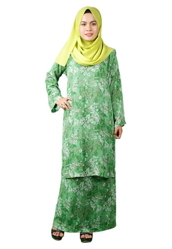 Baju Kurung Pesak from Delimamoda in Grey and White and Green