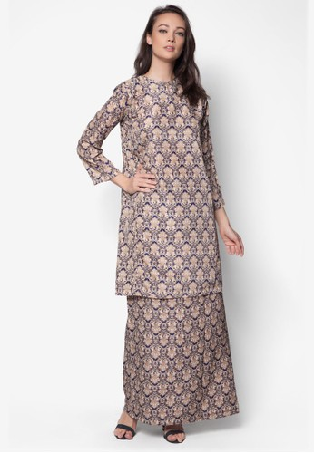 Korean Yarn Baju Kurung from Jennifer Creations in Brown