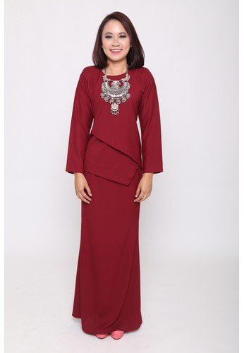 Castell Kurung from eighty one in Red