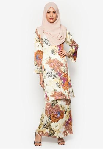 Baju Kurung Pahang Amirah from Butik Sireh Pinang in White and Multi