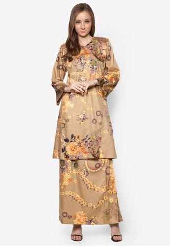 Baju Kurung Pahang Japanese Cotton from Butik Sireh Pinang in Brown