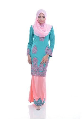Maribeli Butik Melia Kurung -  Turquoise Deep Peach from Maribeli Butik in Orange and Green