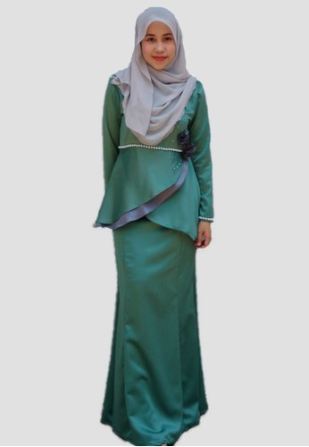 Ammara Rose Baju Kurung Moden from wandaraffa in Green