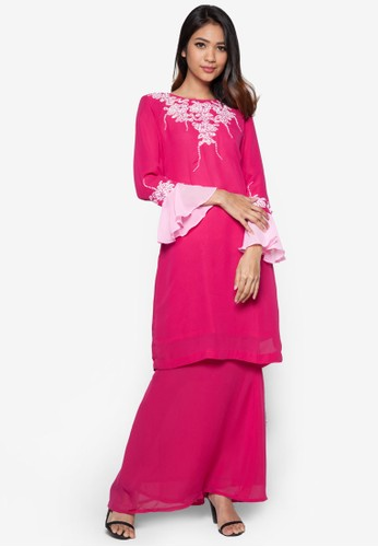Lace Baju Kurung from Koleksi Kornia in Pink