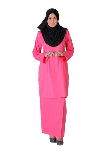 Tihani Plain Kurung In Pink from Syus Couture in Pink