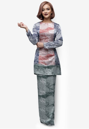 Emel x Sazzy Falak Sunflower Star Modern Kurung from Emel by Melinda Looi in Green and Multi