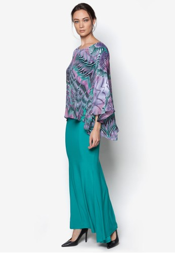 Printed Midi Kurung Kedah from Zuco Fashion in Green and Multi