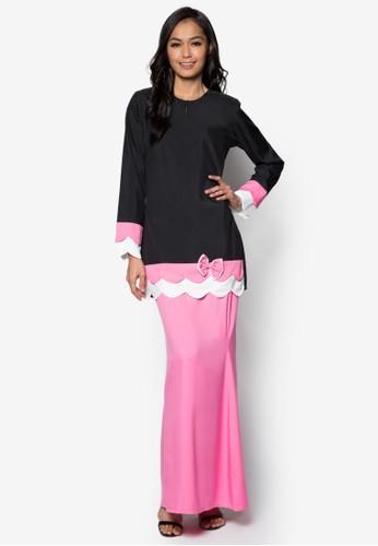 Baju Kurung Modern from Gene Martino in Black and Pink