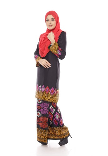 Royal Songket Kurung Modern – Black Purple Red from Maribeli Butik in Black and Red and Purple