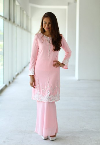 Baju Kurung Moden from Sweetheart in Pink