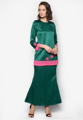 Baju Kurung Modern from Gene Martino in Green
