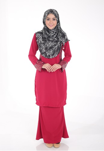 Arianna Modern Kurung from Saqma Boutique in Red