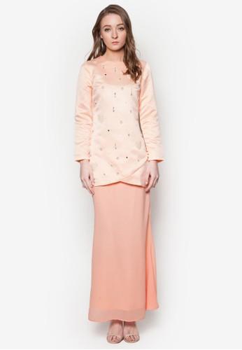 Pearly Kurung from Soonaru Muslimah in Pink