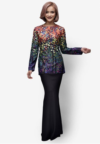 Emel x Sazzy Falak Reef Star Modern Kurung from Emel by Melinda Looi in Black and Multi